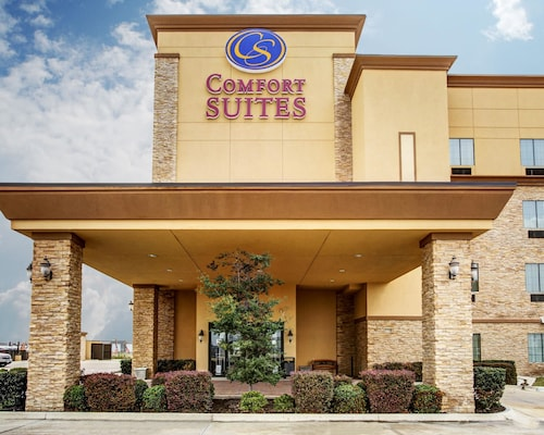 Great Place to stay Comfort Suites Buda - Austin South near Buda