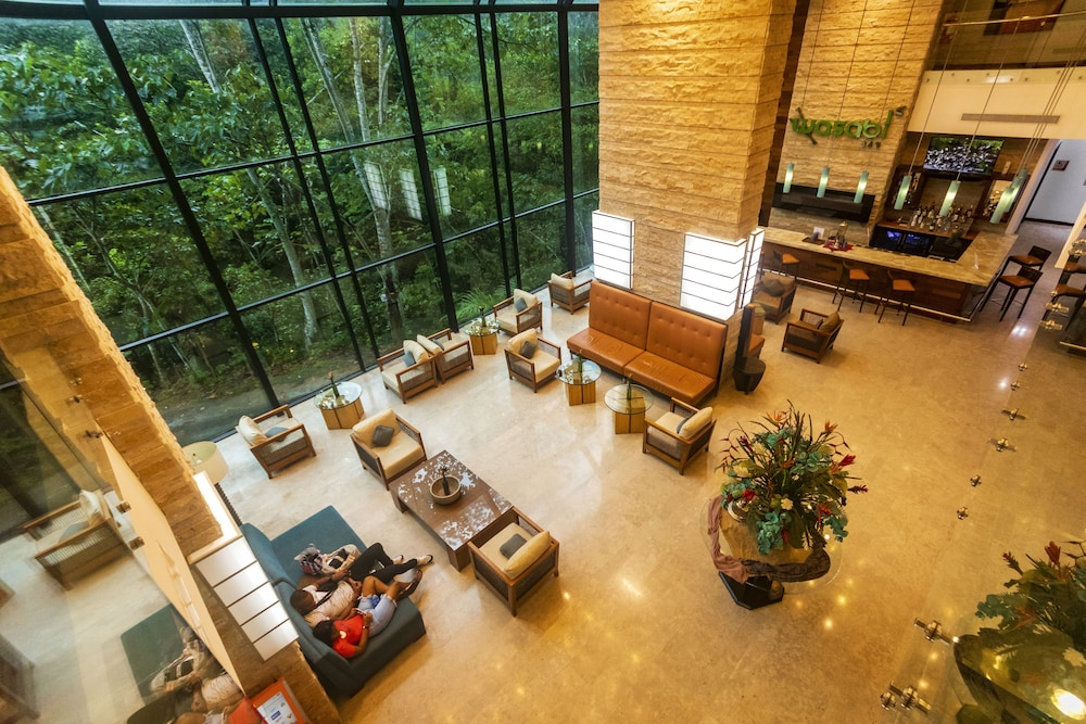 Lobby Sitting Area, Summit Rainforest & Golf Resort