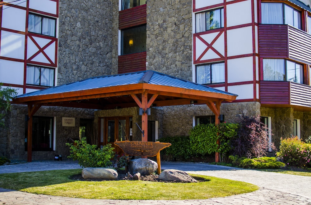 Front of Property, Calafate Parque Hotel