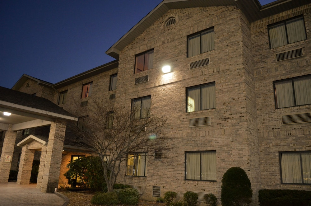 Featured Image, Brookshire Inn & Suites