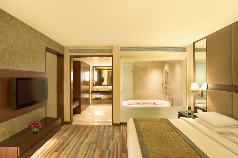 Room, Courtyard by Marriott Ahmedabad