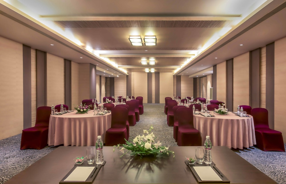 Banquet Hall, Courtyard by Marriott Ahmedabad