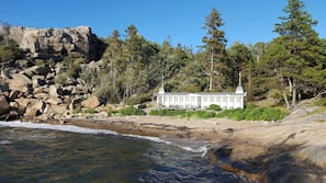 Nær stranden og sandvolleyball