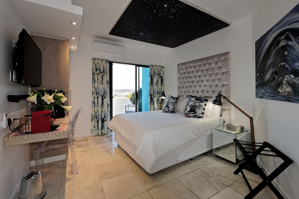 Room, Sea Star Cliff