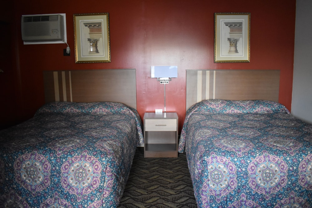 Room, South Hills Motel