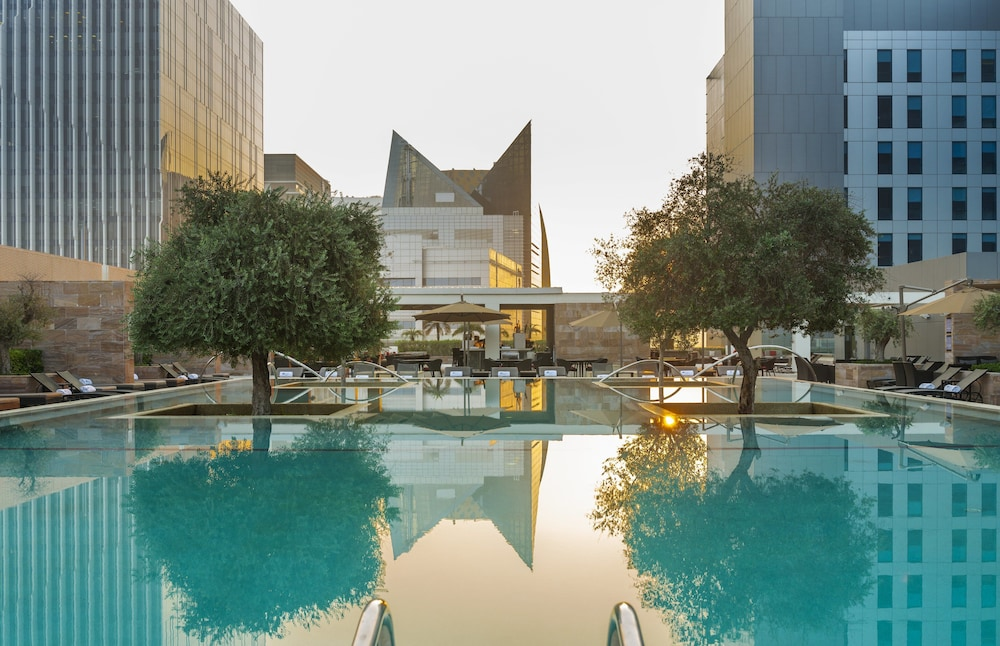 Pool, Aloft Abu Dhabi