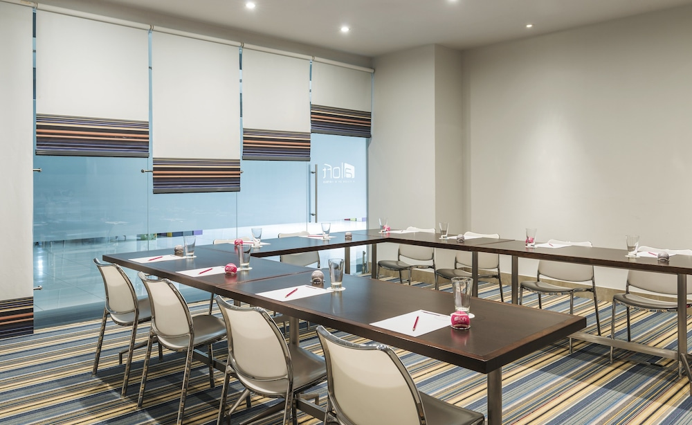 Meeting Facility, Aloft Abu Dhabi