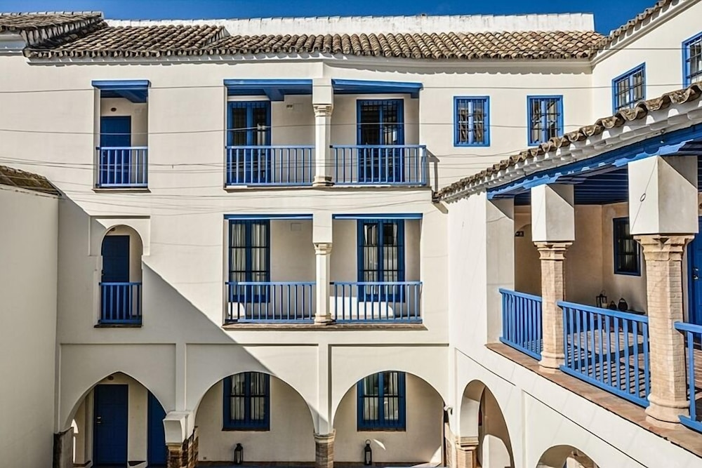 Las casas de la juderia reviews photos rates for Casa de los azulejos cordoba tripadvisor