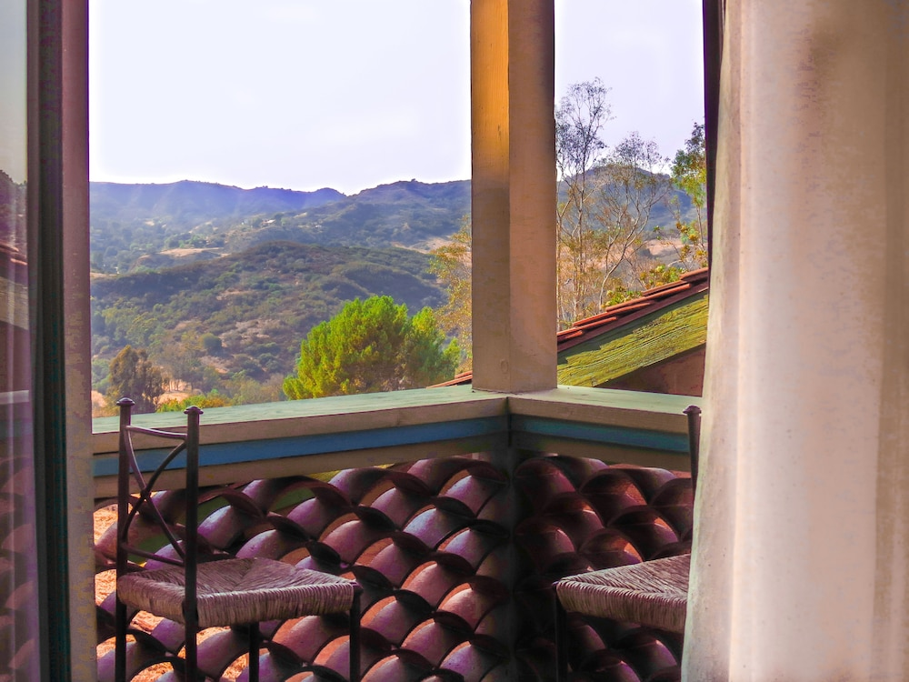 Balcony, Topanga Canyon Inn Bed and Breakfast