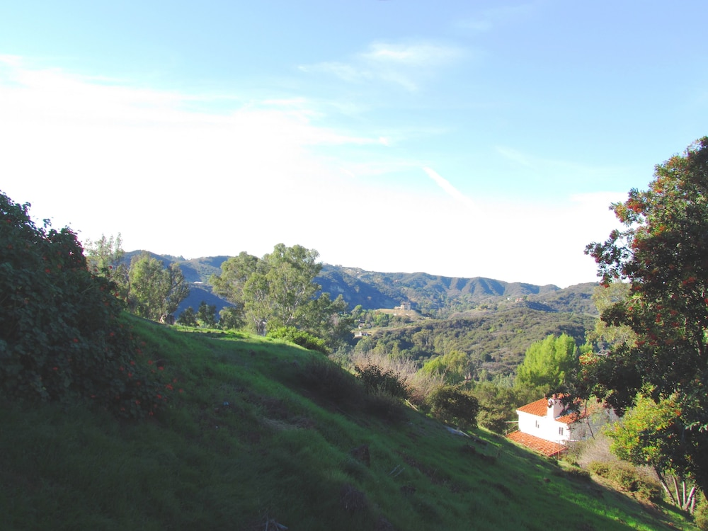 View from Room, Topanga Canyon Inn Bed and Breakfast