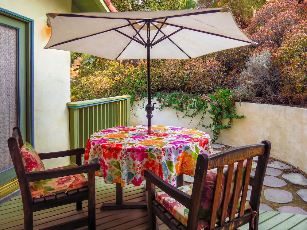 Terrace/Patio, Topanga Canyon Inn Bed and Breakfast