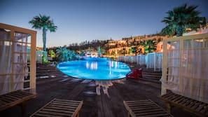 2 indoor pools, seasonal outdoor pool, pool cabanas (surcharge)