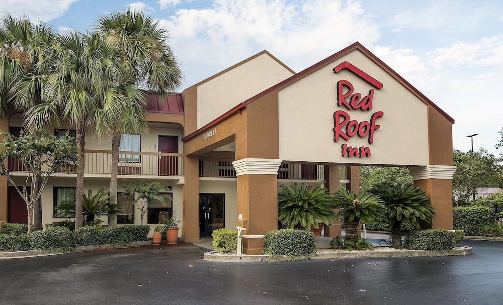 Featured Image, Red Roof Inn Kingsland