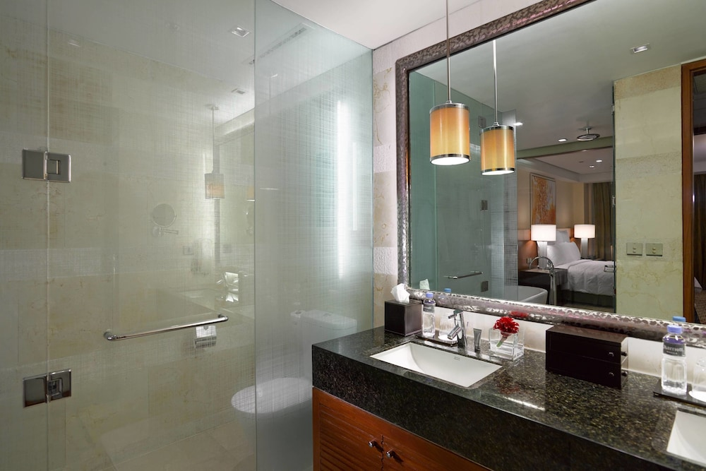 Bathroom, Manila Marriott Hotel