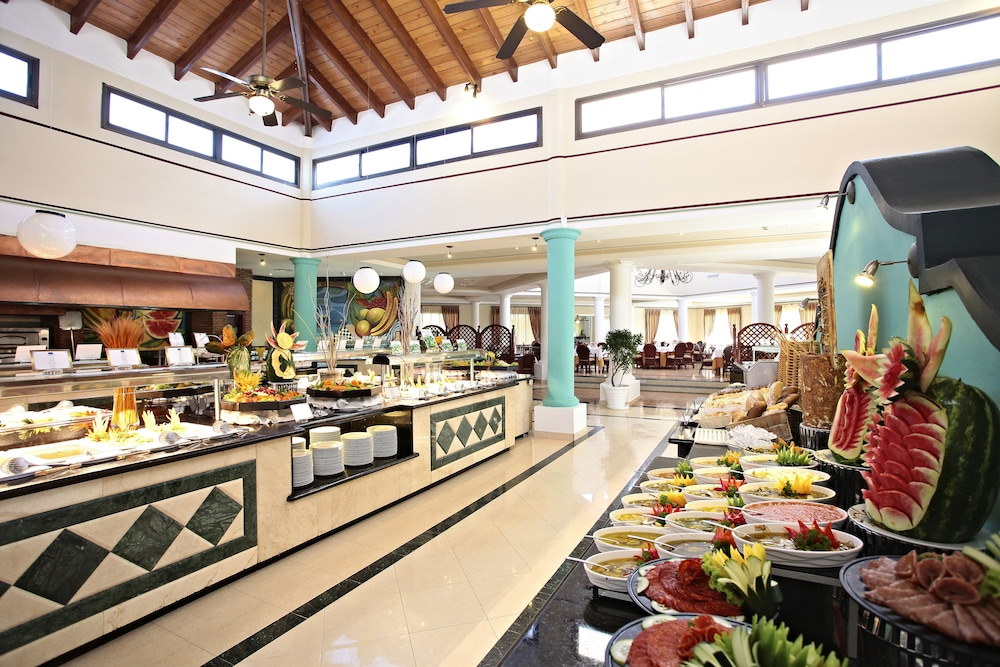 Breakfast buffet, Bahia Principe Grand Bavaro - All Inclusive