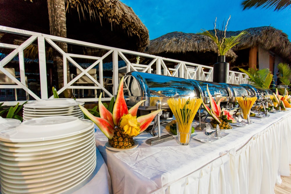 Buffet, Bahia Principe Grand Bavaro - All Inclusive