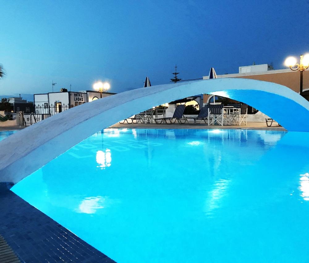 nearest hotel pool aga - 900×768