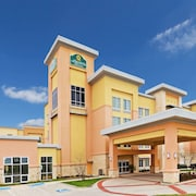 La Quinta Inn & Suites by Wyndham Burleson