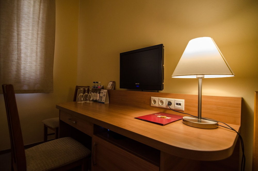 In-Room Business Center, Civitas Boutique Hotel Sopron