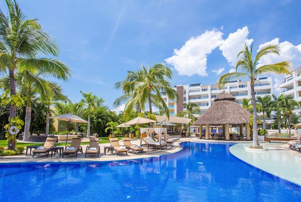 Marival residences luxury nuevo vallarta all inclusive for All inclusive resorts luxury