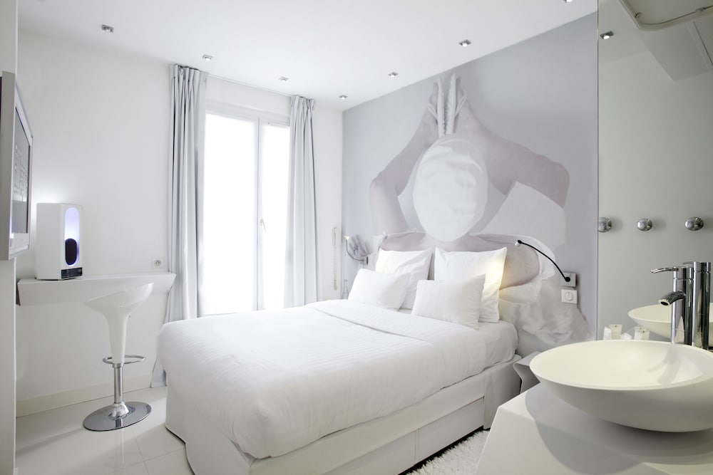 Blc design hotel in paris hotel rates reviews on orbitz for Designhotel paris