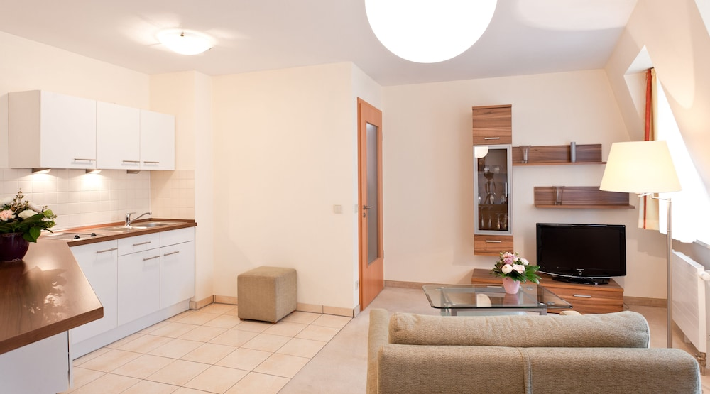 Standard Studio, 1 Bedroom, Kitchenette - Featured Image