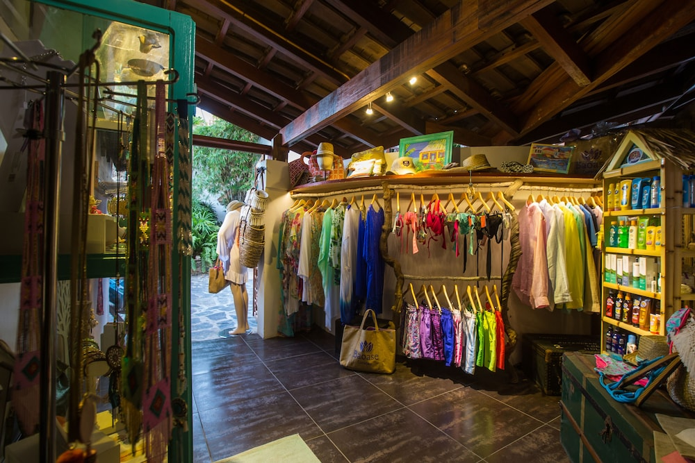 Gift Shop, Baoase Luxury Resort