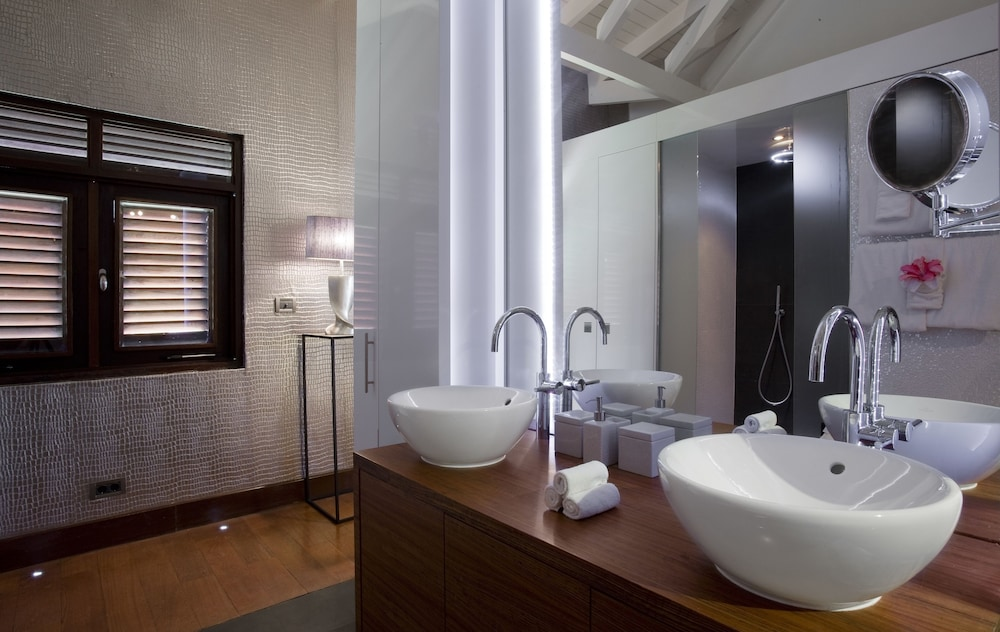Bathroom Sink, Baoase Luxury Resort