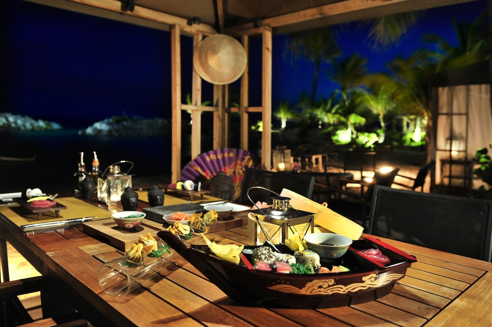 Dining, Baoase Luxury Resort