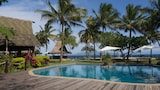 Uprising Beach Resort - Pacific Harbour Hotels