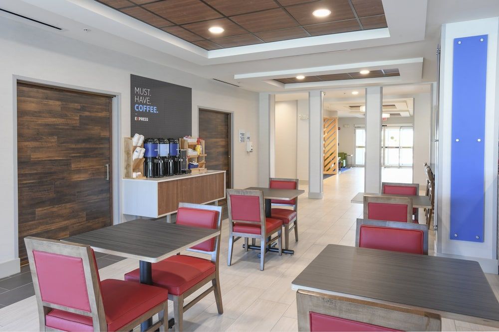 Breakfast Meal, Holiday Inn Express Hotel & Suites Richwood-Cincinnati South