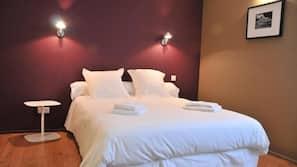 Frette Italian sheets, premium bedding, Select Comfort beds