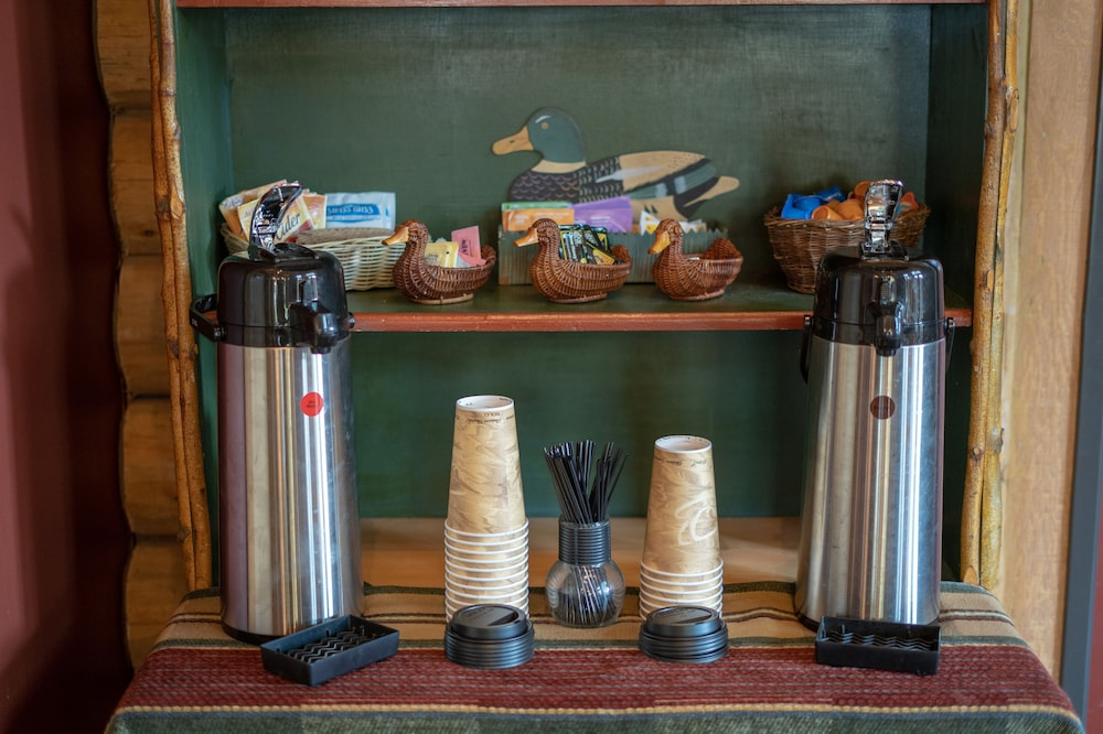 Coffee Service, The Lodge at Riverside