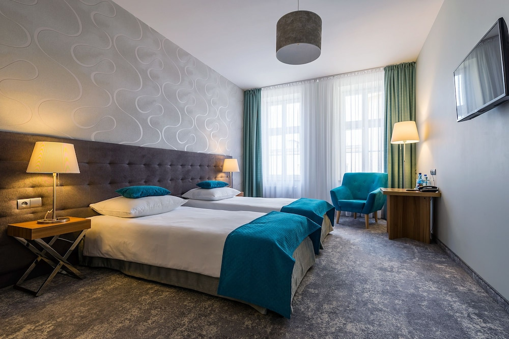 Patio Hotel In Wroclaw Hotel Rates Reviews On Orbitz