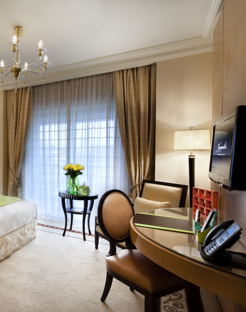 In-Room Business Center, Kempinski Nile Hotel Cairo