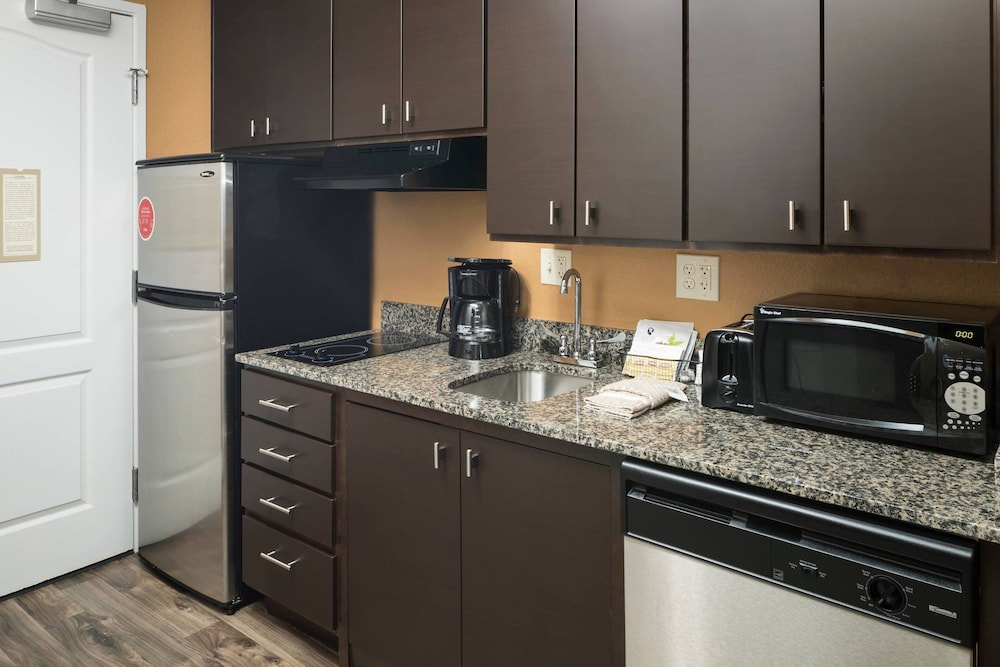 Private Kitchen, TownePlace Suites by Marriott Panama City