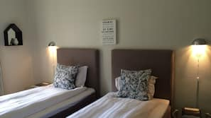 Hypo-allergenic bedding, minibar, desk, soundproofing