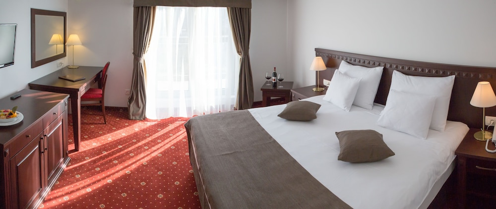 Hotel Katarina: 2019 Room Prices $106, Deals & Reviews | Expedia
