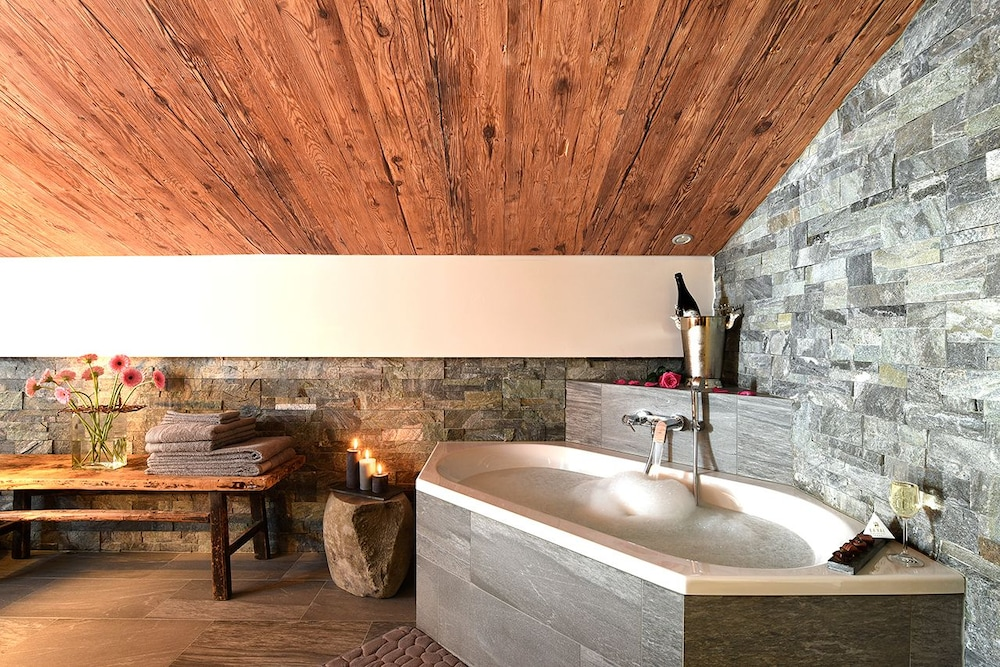 Deep Soaking Bathtub, La Val Hotel & Spa