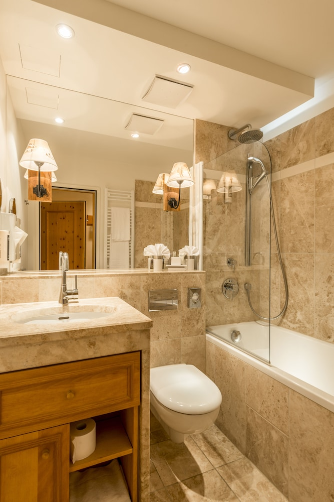 Bathroom, La Val Hotel & Spa