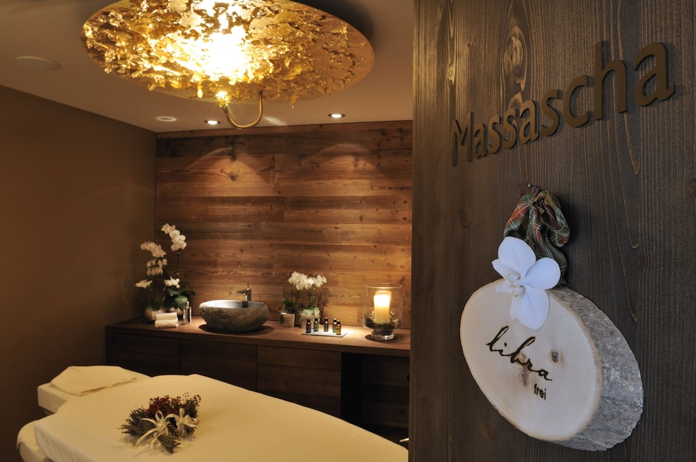 Massage, La Val Hotel & Spa