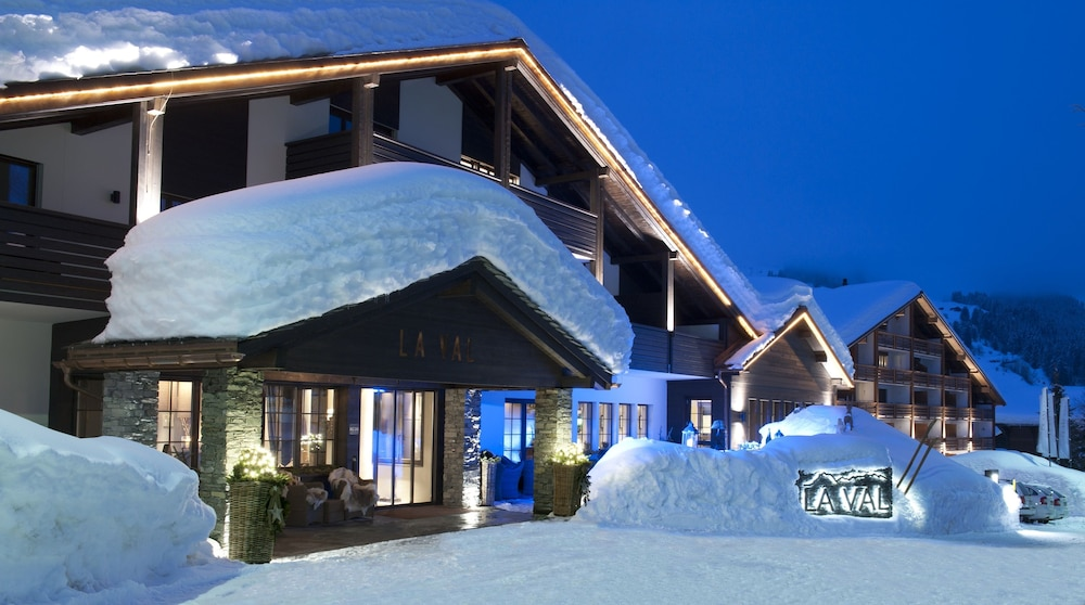 Front of Property - Evening/Night, La Val Hotel & Spa