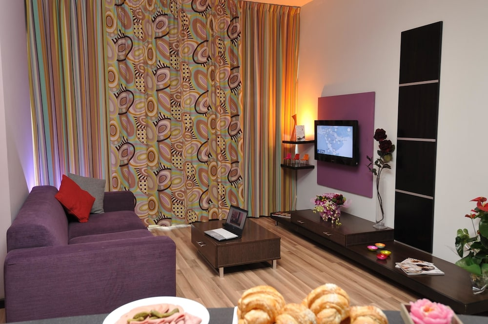 Room Amenity, Suite Hotel Chrome