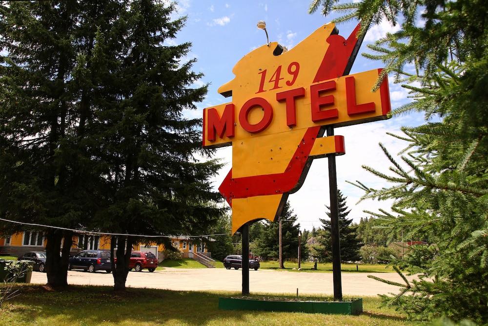 motel 149 mont tremblant can expedia. Black Bedroom Furniture Sets. Home Design Ideas