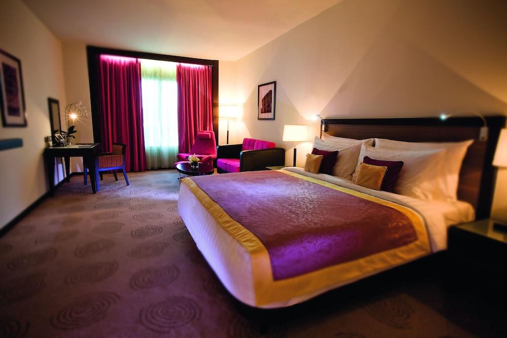 Avani deira dubai hotel reviews photos rates for 7 star hotel in dubai room rate