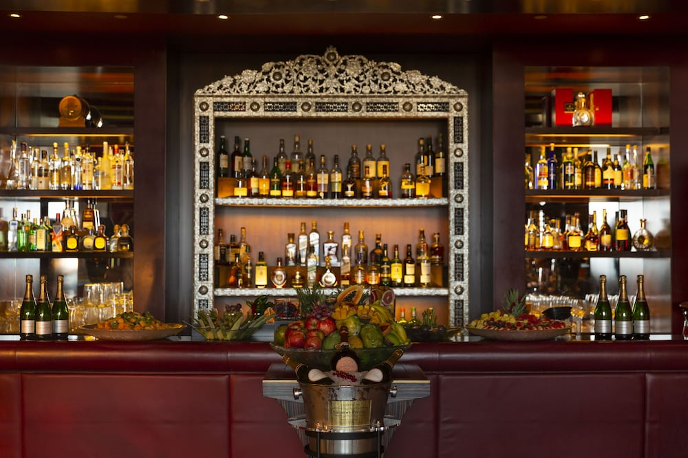 Bar, Four Seasons Hotel Beirut