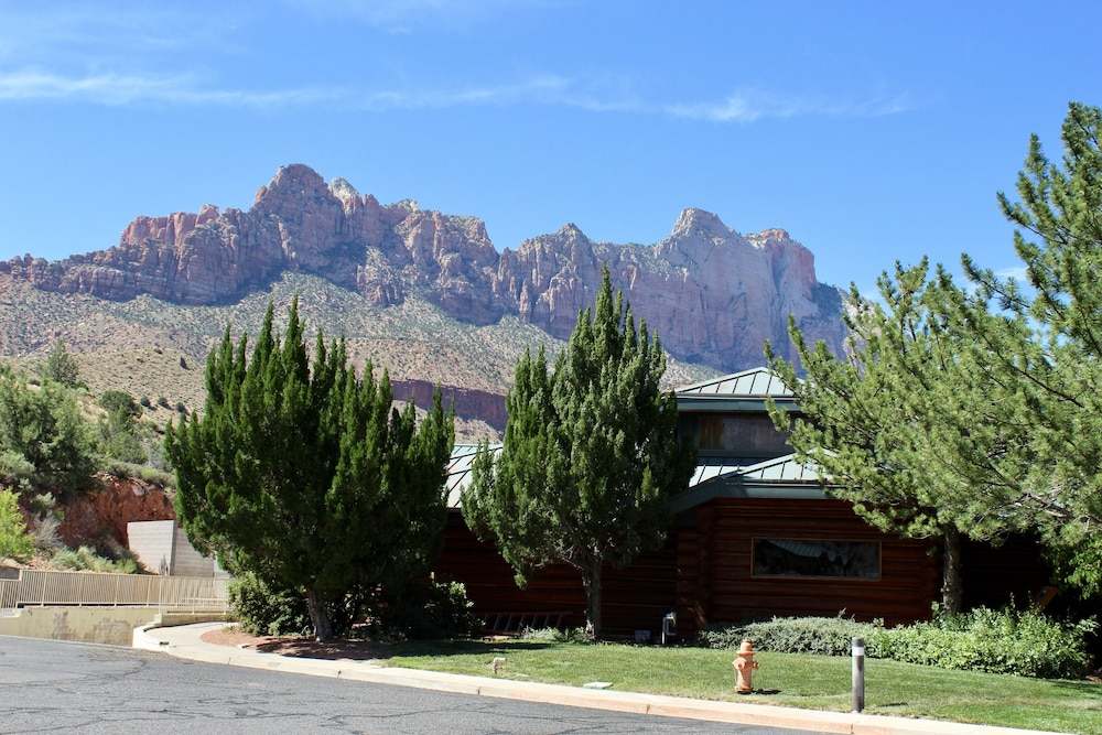 Exterior, Majestic View Lodge at Zion National Park