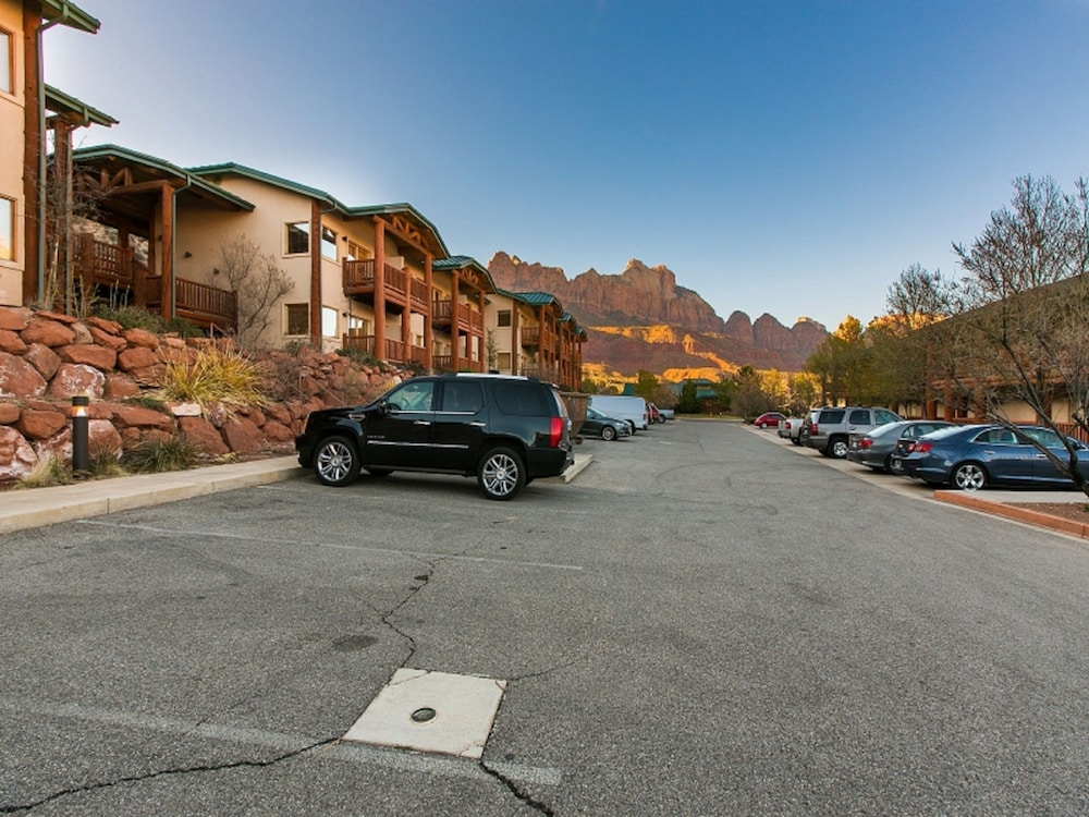 Parking, Majestic View Lodge at Zion National Park