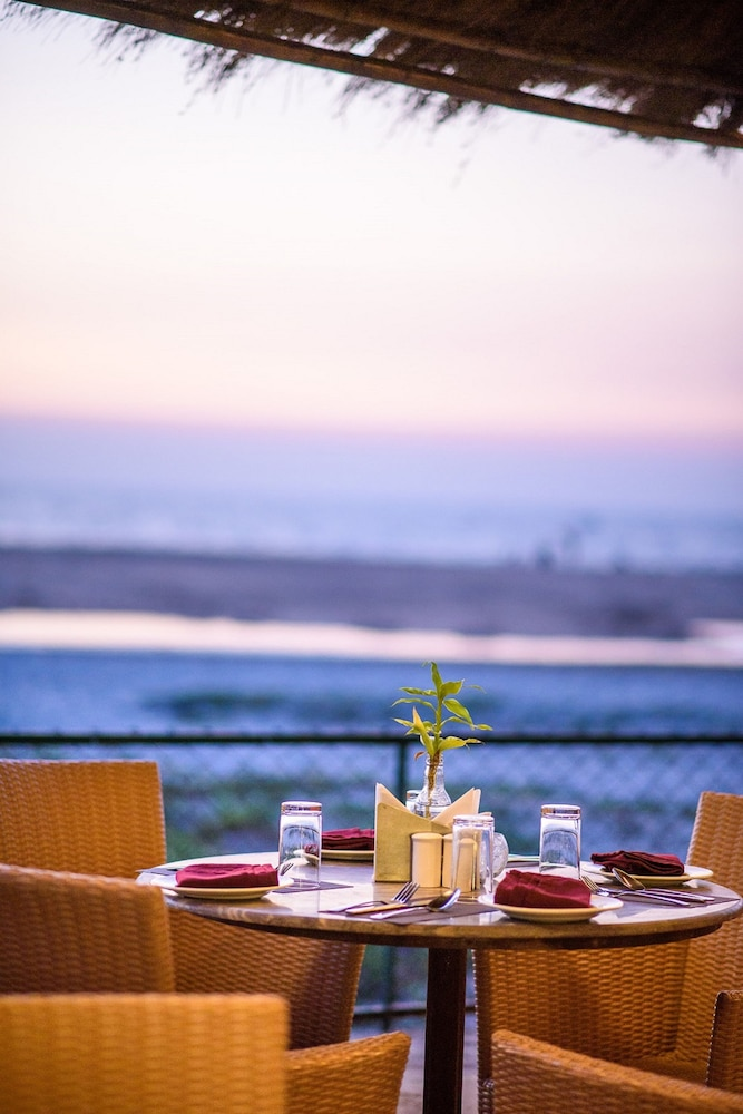 Couples Dining, Beleza By The Beach