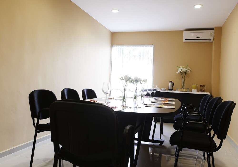 Business Center, Mision Express Merida Altabrisa